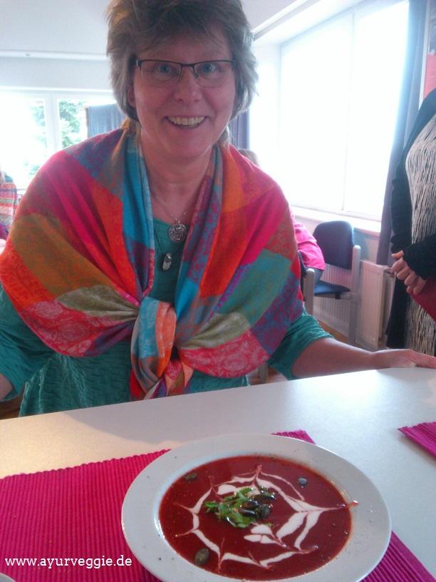 Gesundheitsfestival Sierksdorf 2017, Rote Bete Suppe mit Kokostopping, Ayurveggie, ayurvedapur, imke christoph, ayurvedazentrum malente